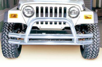 Μπροστινός σωληνωτός προφυλακτήρας χρωμίου   Wrangler &  CJ  76-06